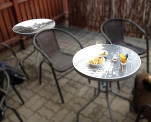 stoliki-kawiarniane-naklejki